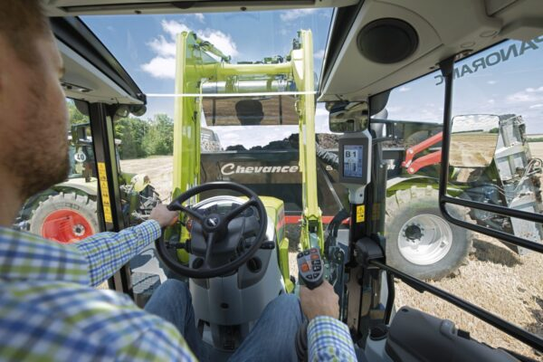 Claas Arion 400 mit Frontlader PANORAMIC