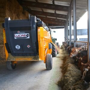 LucasG Castormix Mischwagen Verteil- und Einstreuwagen