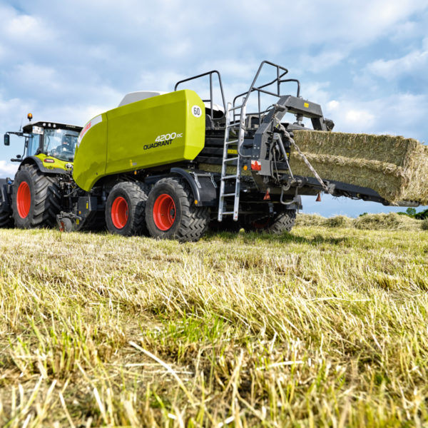 Claas_Quadrant_4200_RC